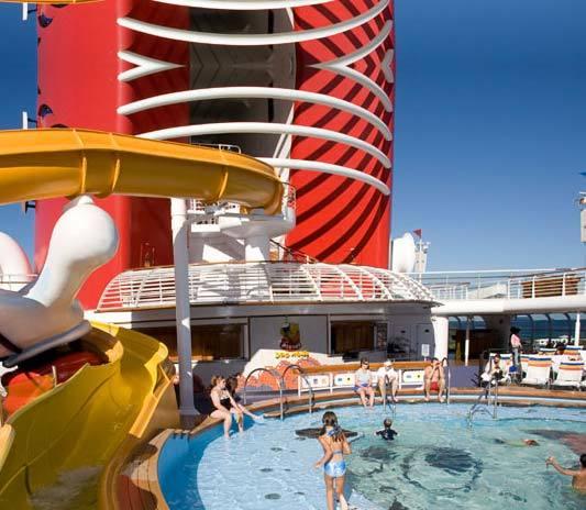 piscina mickey