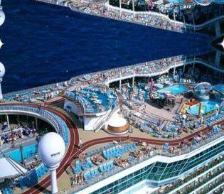Imagen piscina vista aerea